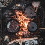 焚火とフライパン