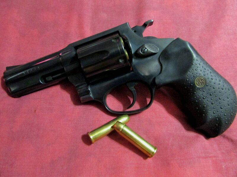 リボルバー 銃