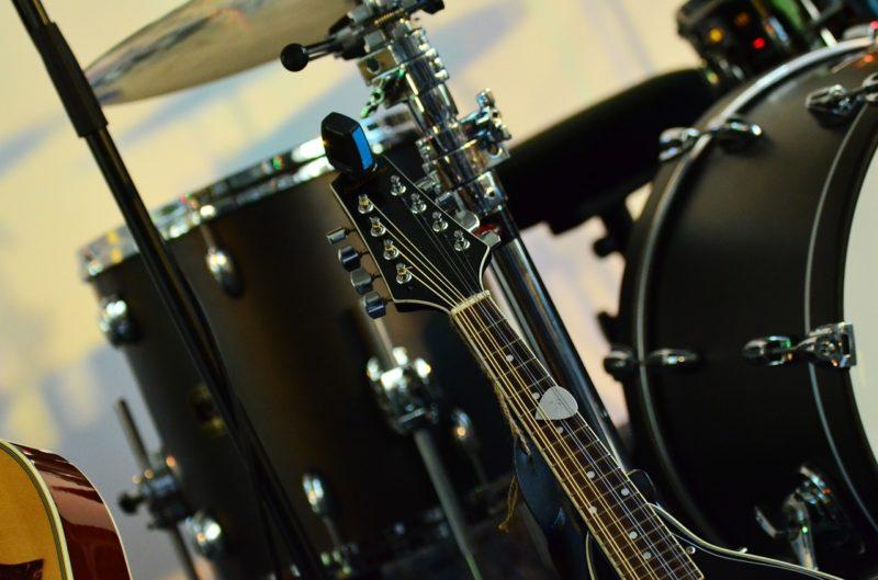 ギターとドラム