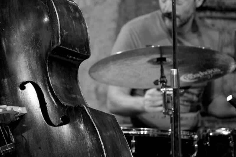 ベースとドラム
