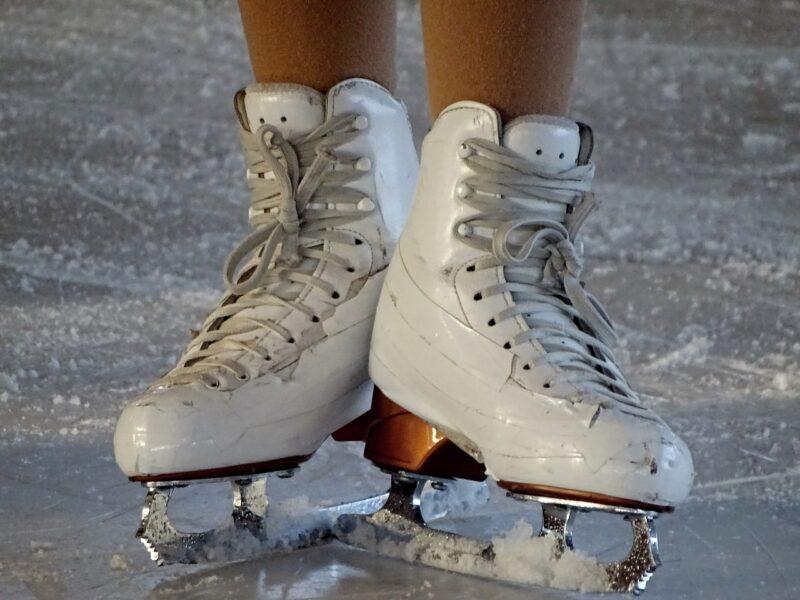 スケートシューズ